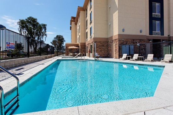 Holiday inn express hotel suites fresno northwest for Swimming pool preisvergleich