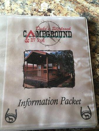 Hanksville, Γιούτα: Nearby restaurant menus & lots of other information in this binder.