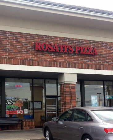 Algonquin, IL: front of & entrance to Rosati's Pizza