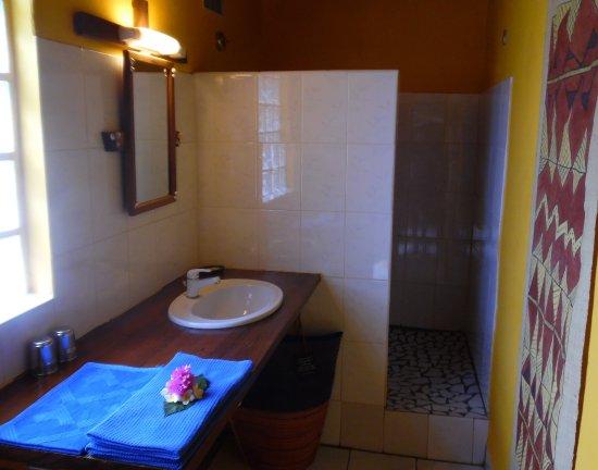 Le Grand Bleu : Bungalow Confort Familial salle de bains