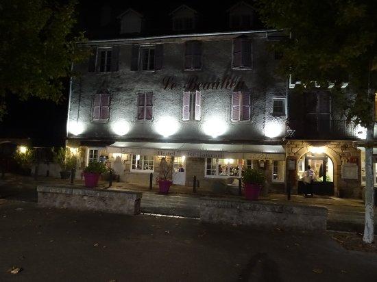 Beaulieu-sur-Dordogne, Frankrike: DSC03701_large.jpg
