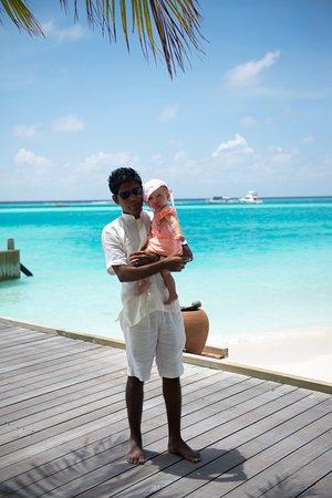 Gili Lankanfushi Maldives: Mr. Friday, Sofia and the azure blue ocean