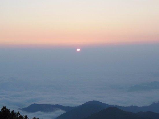 Iide-machi, Japan: テント場から日の出
