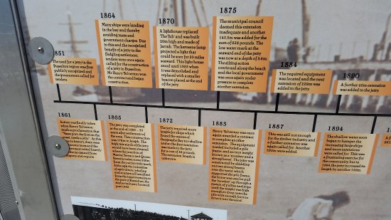 Busselton, Australia: the time line boards out at the end