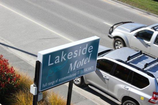 Lakeside Motel: Entrance