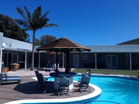 Livesey Lodge: Stunning outdoor pool area to relax