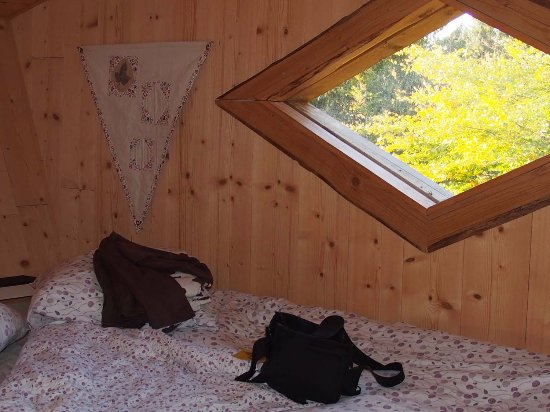chambre douillette photo de les loges du coinchet la pesse tripadvisor. Black Bedroom Furniture Sets. Home Design Ideas