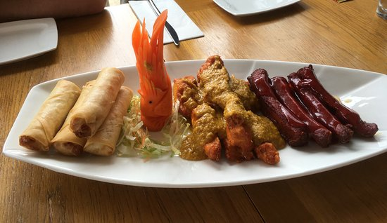 The Mulan Cantonese Restaurant : Sunday lunch starters.