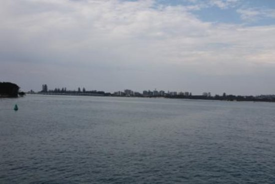 Free Spirit Cruises : Forster-Tuncurry Bridge and Tuncurry