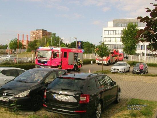 Gremberghoven, Deutschland: krönender Abschluss Feuerwehreinsatz und 1 Stunde Zeitverlust