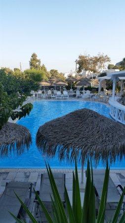 Hermes Hotel: uitzicht vanuit balkon kamer 201