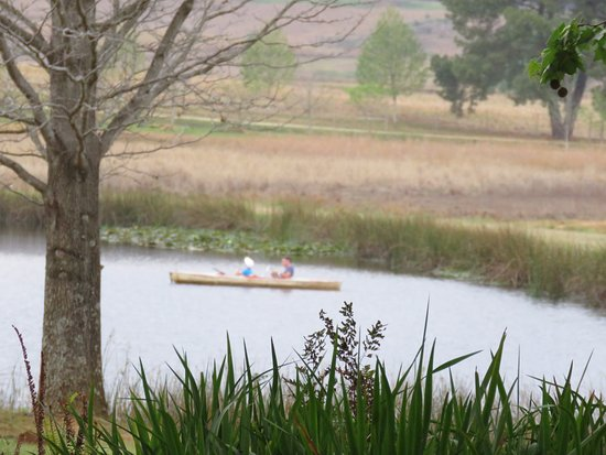 Berghaven Holiday Cottages: boat and fishing available on the dam