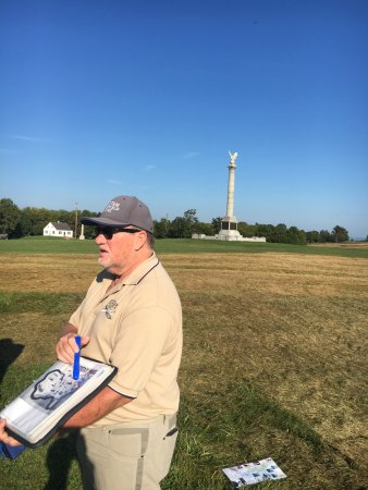 Sharpsburg, MD: Our guide at the start of our tour