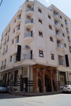 Timgad Hotel Hazem -バトナ-【 ...