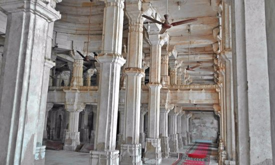 Sarkhej Roja : At the great mosque inside