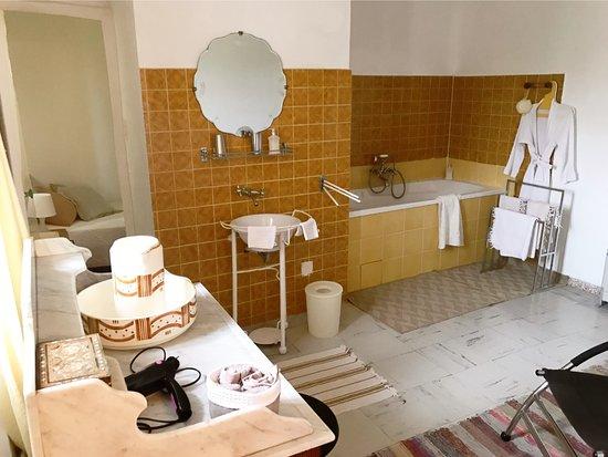 L'Enclos Hotel - room photo 4068814