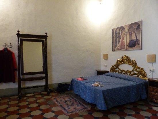 Hotel Bavaria: La chambre (très grande) disposait d'un grand lit et deux petits lits.