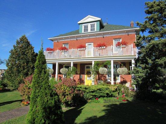 Green Woods Inn: 2017