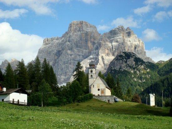 Alleghe, Italie : Il Pelmo a Santa Fosca