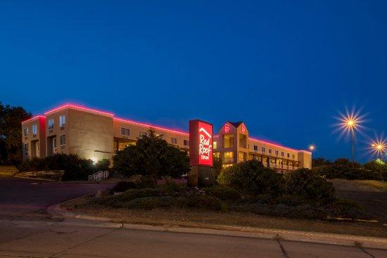 Red Roof Inn Cedar Rapids: Inn Exterior