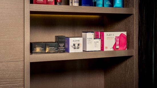 eforea spa at Hilton Amsterdam Airport Schiphol: eforea spa offers a wide selection of eforea spa products