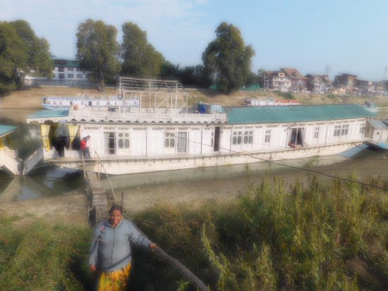 The Shelter Group of Houseboats: house boast which i stayed
