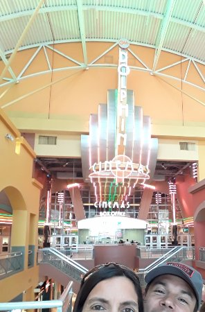 Dolphin Mall: Compras, compras y más compras