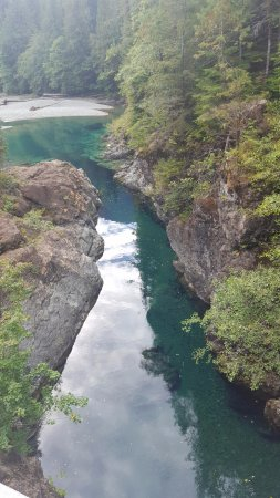 Port Alberni, Canada: Mineral-infused, torquoise-colored creek