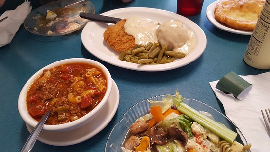 Salina, UT: Chilli and Salad / Chichen Tenderloin & Salad