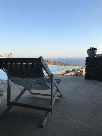 Aeolis Tinos Suites: The infinity pool!