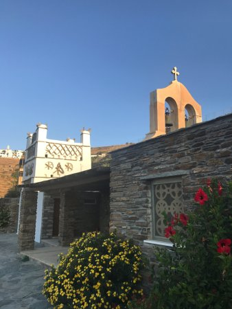 Aeolis Tinos Suites: The tiny church located within the resort grounds!