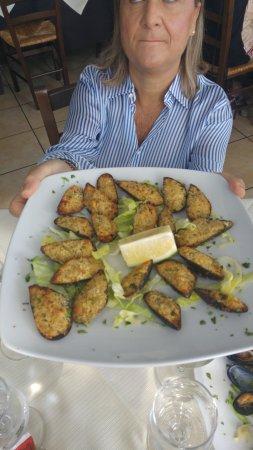 Furci Siculo, อิตาลี: cozze gratinate