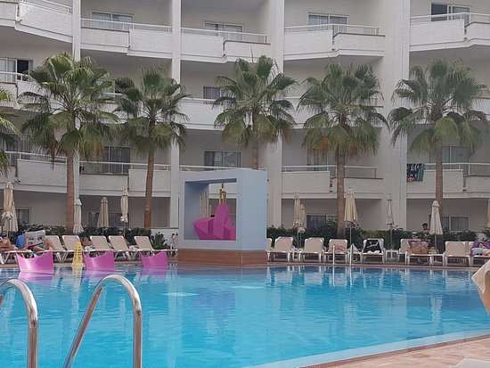 Hotel Riu Don Miguel : View of the pool
