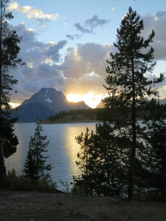 Signal Mountain Campground: Sunset behind Mount Moran from site #15
