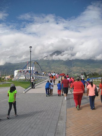 Ibarra, Ecuador: Parque Bulevar Centrica or also known as Parque Cuidad Blanca