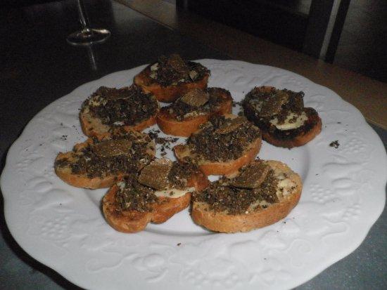Burey-en-Vaux, فرنسا: toasts pain grillé beurre salé et truffes