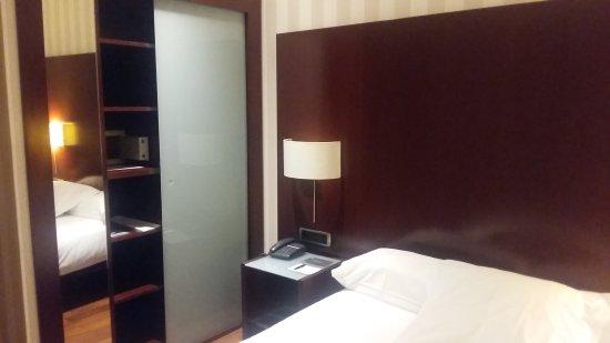 Hotel Zenit Bilbao: TA_IMG_20171002_191246_large.jpg