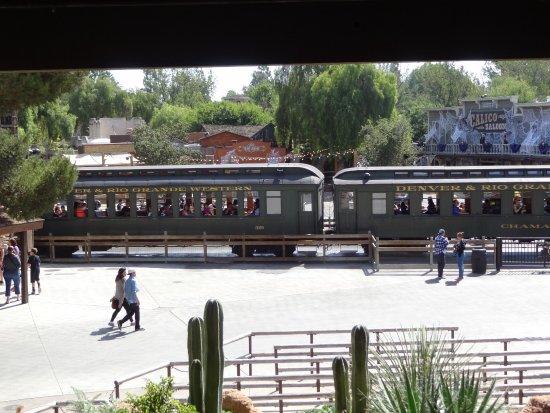Buena Park, Kalifornia: Tren maravillosamente conservado