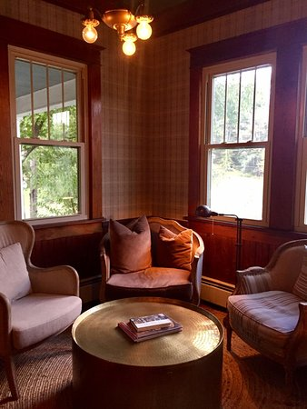 Livingston Manor, Nova York: One corner of The DeBruce common areas
