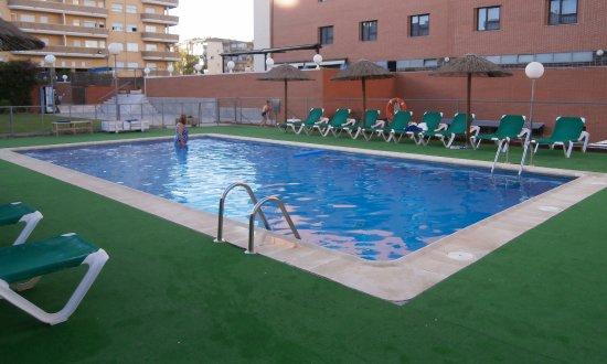 Piscina foto de extremadura hotel c ceres tripadvisor for Piscina climatizada caceres