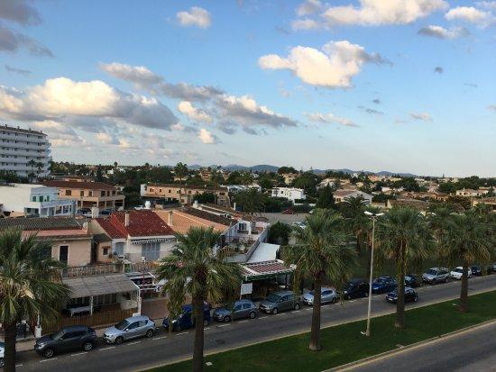 Orient Beach: Uitzicht vanaf de 3 de etage.