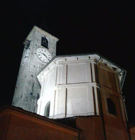 Tourist Information Centre: Il Battistero ed il Campanile della Parrocchiale di Baveno.
