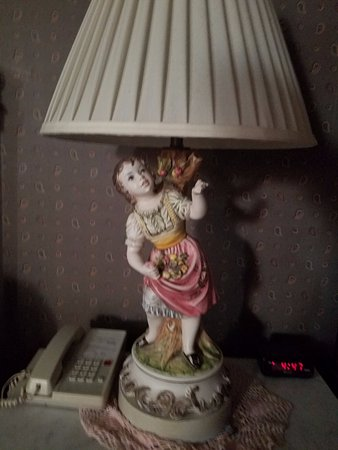 Strasburg, VA: Room Lamp