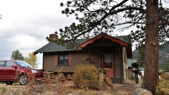 Tiny Town Cabins: View from bank of Big Thompson river