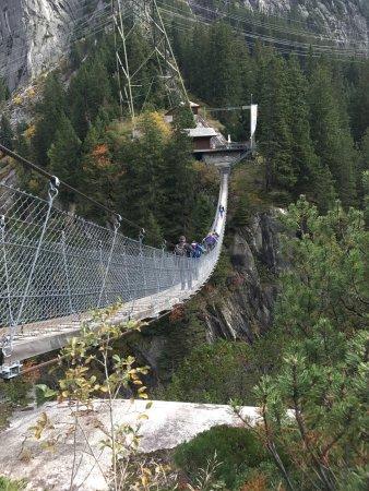 Guttannen, İsviçre: Handeck Hängebrücke Die coole, sichere Mutprobe für Angsthasen An der Grimselstrasse gelegen und