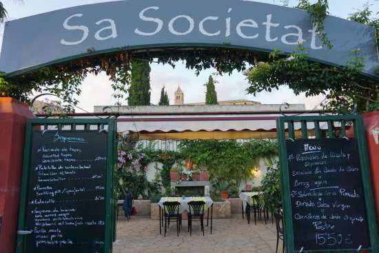 Sa Societat de Ca Na Fornera: Eingang zum Garten