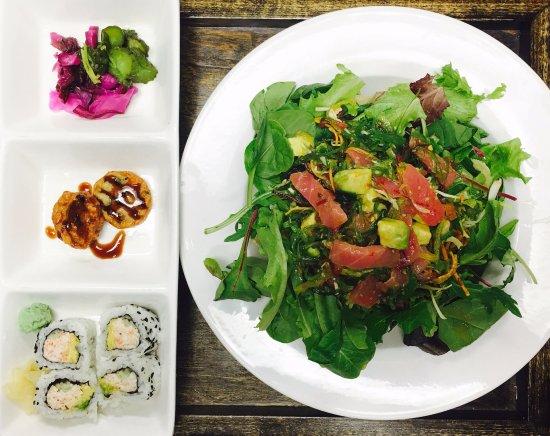 Lincolnshire, IL: Spicy Tuna Seaweed Salad Lunch