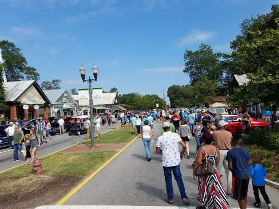 Cruisin To The Oldies Car Show Picture Of Historic Downtown - Senoia ga car show 2018