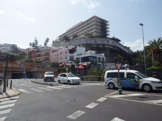 Hotel El Tope: Blick von der Altstadt auf das Hotel