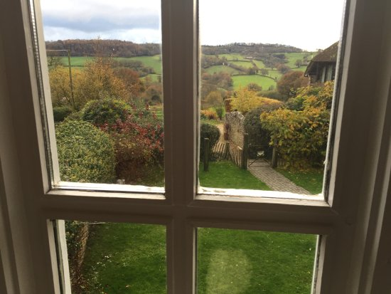 Wootton Fitzpaine, UK: Through my bedroom window